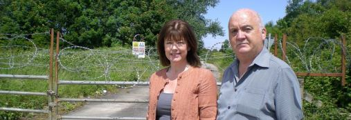 Leah Fraser and Chris Blakeley at the Moreton Site
