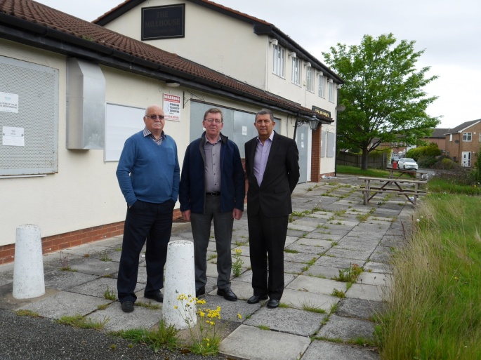 Local Councillors, Chris Blakeley, Bruce Berry, and Steve Williams at the site